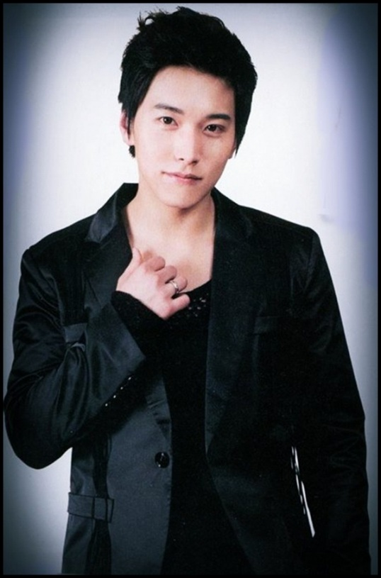 http://sujuyongwonhie.files.wordpress.com/2011/05/sungmin71.jpg